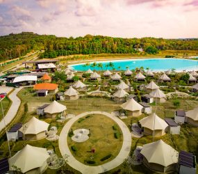 luxury resort glamping tents